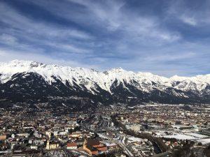 I Innsbruck var Celine tett på alpene! Illustrasjonsfoto.